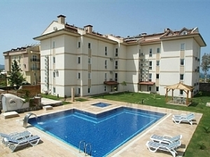 Saros 4 Bed Beachfront Apartment